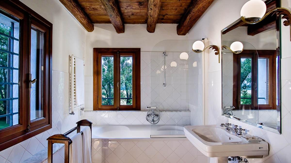 Villa Bencontenta badkamer