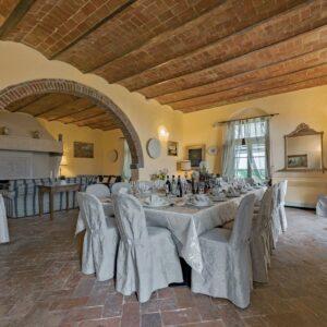 Villa de' Michelangioli eetkamer