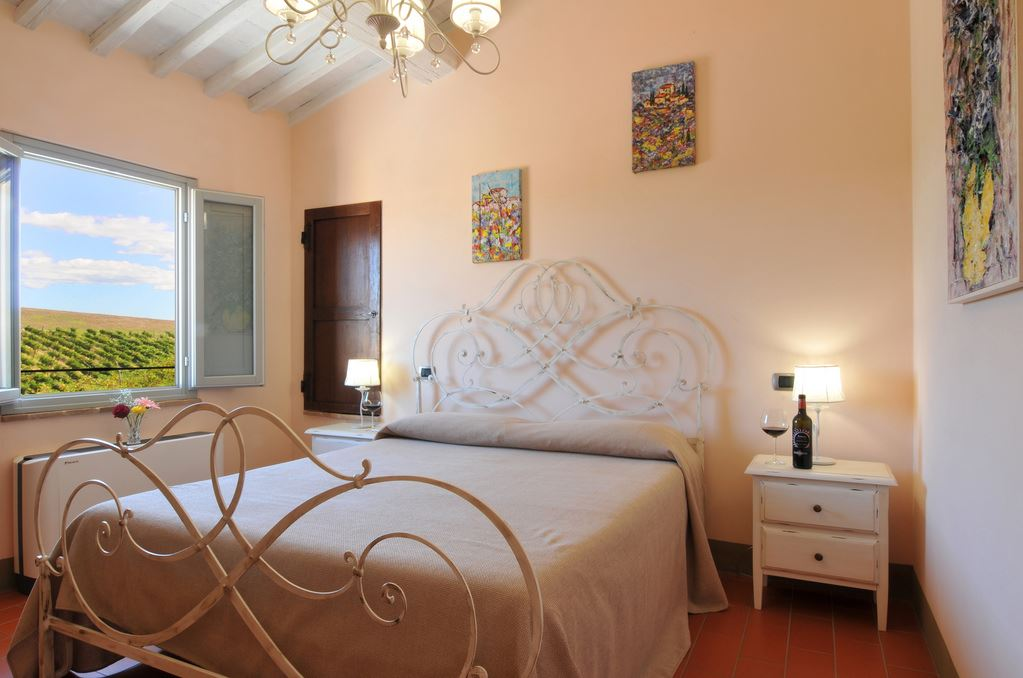 La Lucciolaia Toscana Rosa Antica