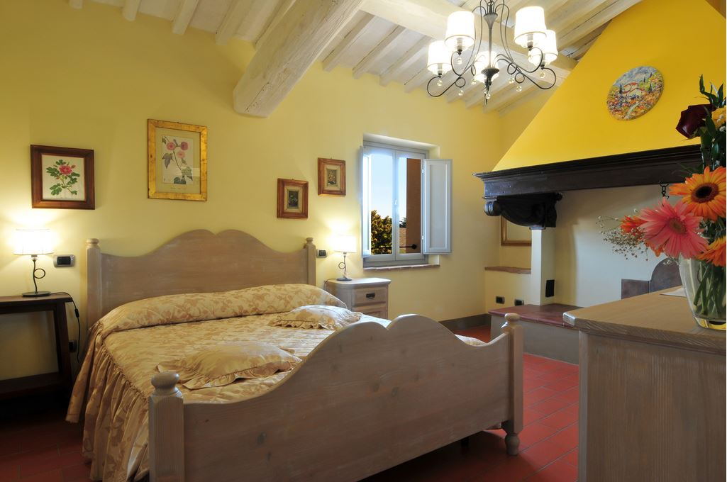 La Lucciolaia Toscana Focolare