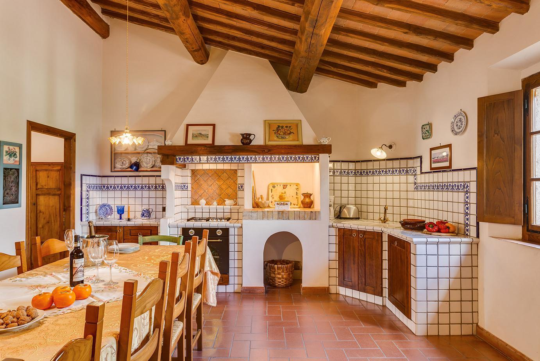 Antico Borgo san Lorenzo Toscana piscina Rosa Bianca