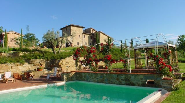 casa_cornacchi_view_from_the_pool